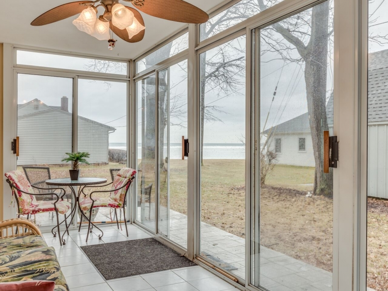 Avon Lakefront For 389 000 Lake Erie House Of The Week