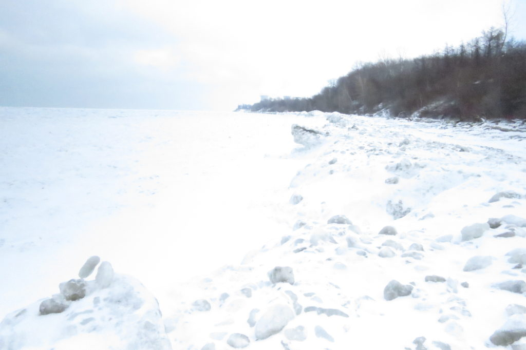 The ice dunes at Lake Erie Bluffs have dissipated with the thaw. (Laura Johnston, RocktheLake)