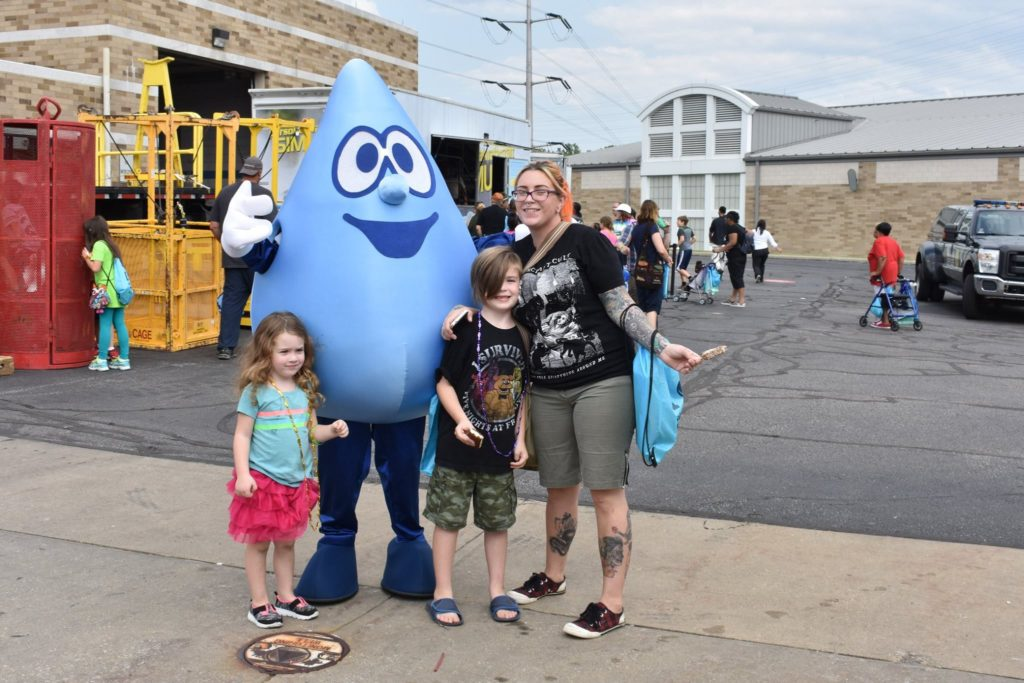 Wally the Water Drop poses with fans at the Northeast Ohio Sewer District Open House in 2017. (NEORSD)