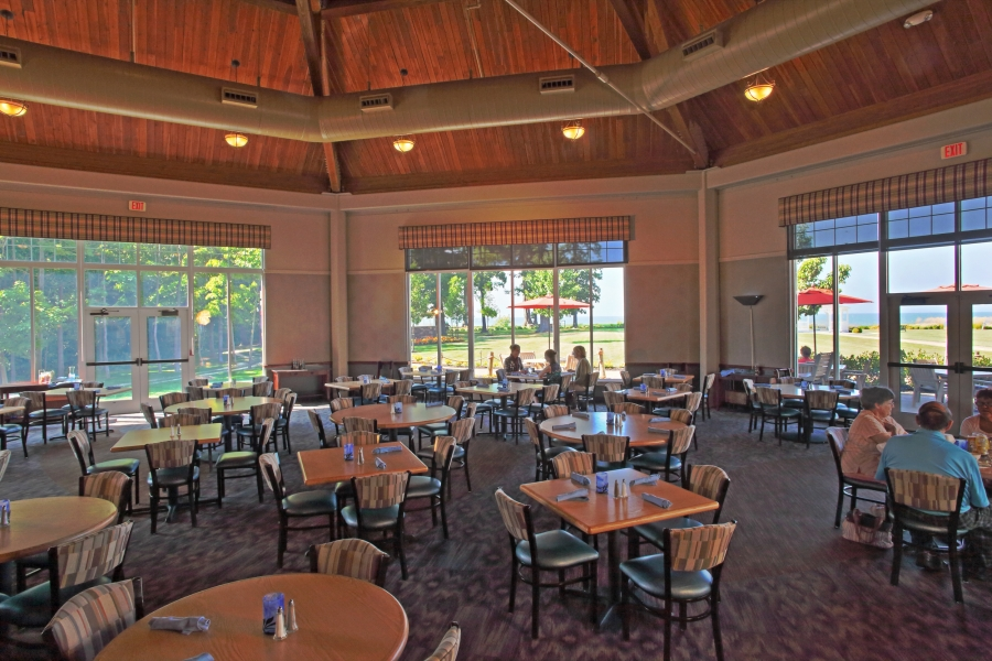 Lakefront dining